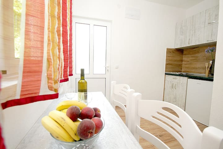 Pejovic One Bedroom Apartment