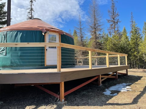 A Cozy Getaway Yurt perfect for social distancing!