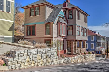 NEW! 4BR Manitou Springs House - Walk to Downtown! - Manitou Springs - Σπίτι