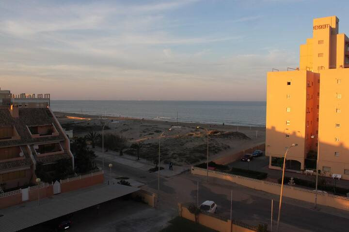 Piso en Estribor (PHONE NUMBER HIDDEN) Valencia - El Perellonet