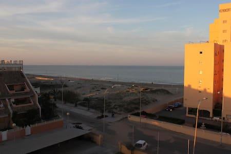 Piso en Estribor 10, 46012 Valencia - El Perellonet - Condominio