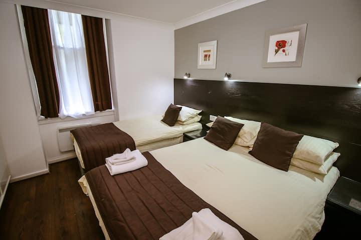 Family En-suite Rooms in Glasgow City centre