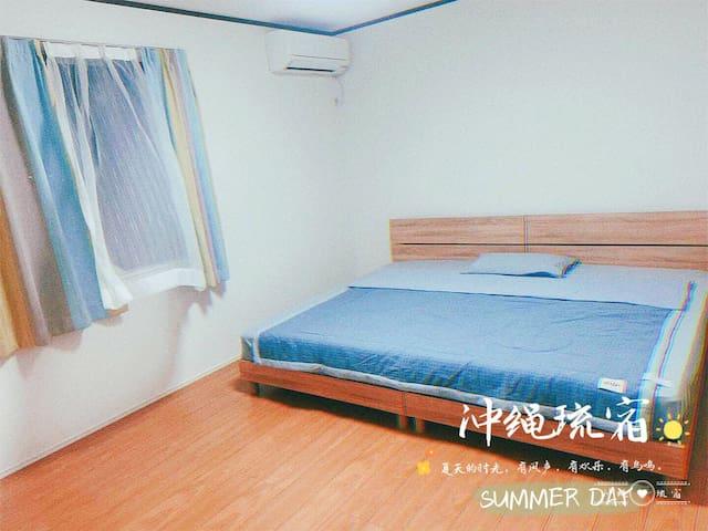 一楼16平方的大床房,床的尺寸为1.9米。很大哦!