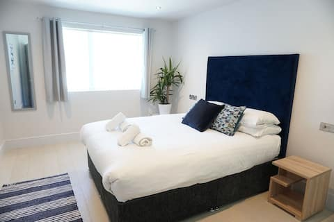 Stunning Saltwater Suites at Fistral No 2