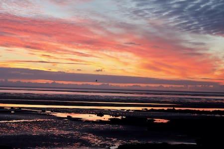 Luxury Beach Apt, Blackrock. Louth. - Blackrock