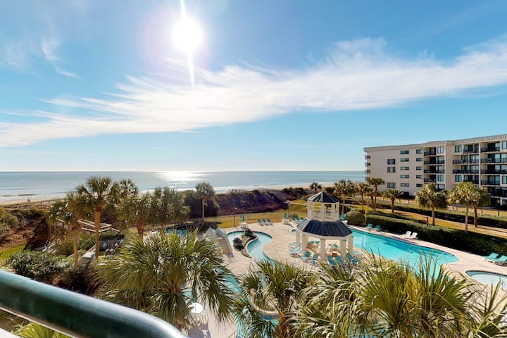 Gorgeous family-friendly condo w/ shared pool & ocean views - close to the beach