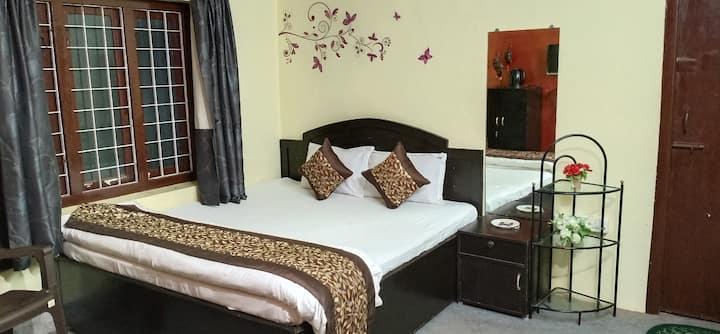 StayInn Economy stay in Kodaikanal+Unlimted B/fast