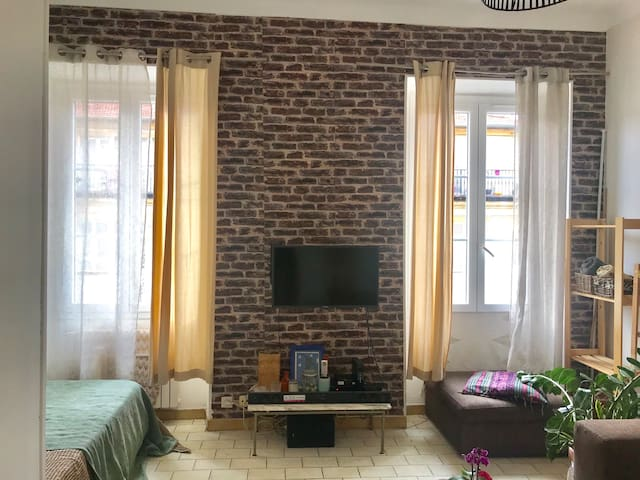 Appartement en plein cœur du Port de Nice