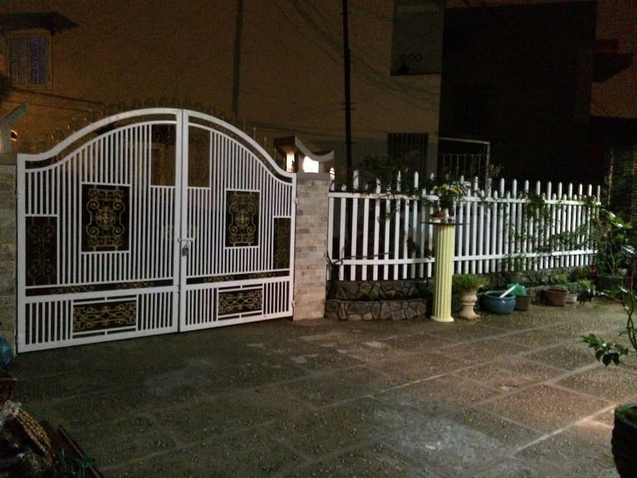House's Gate