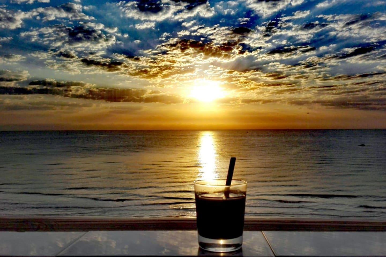 Tómate un cafe con sabor a mar! (foto de una de nuestras huespedes... gracias!)