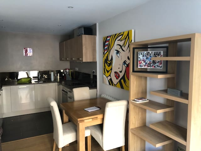 Bright and modern flat in Kings Cross