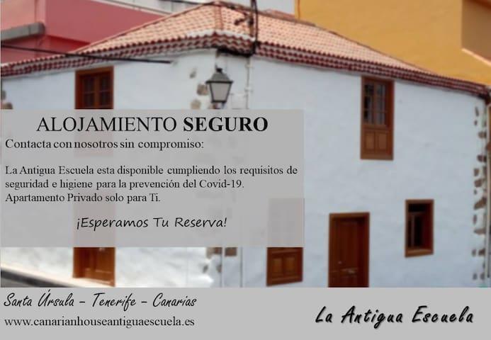 Antigua Escuela Canarian House