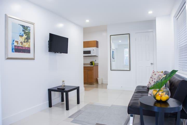 Miami Designer Apartment Unit 2