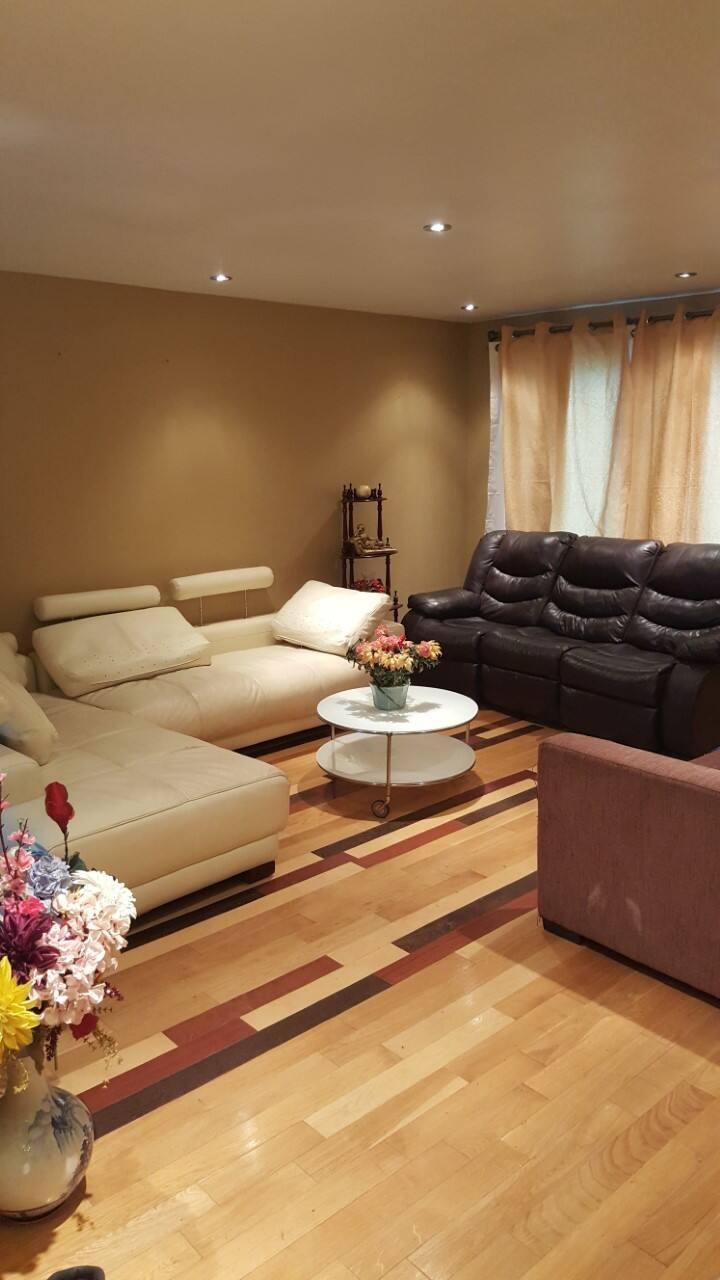 Cozy Bedroom Near Downtown, Unlimited Wifi, Room 3