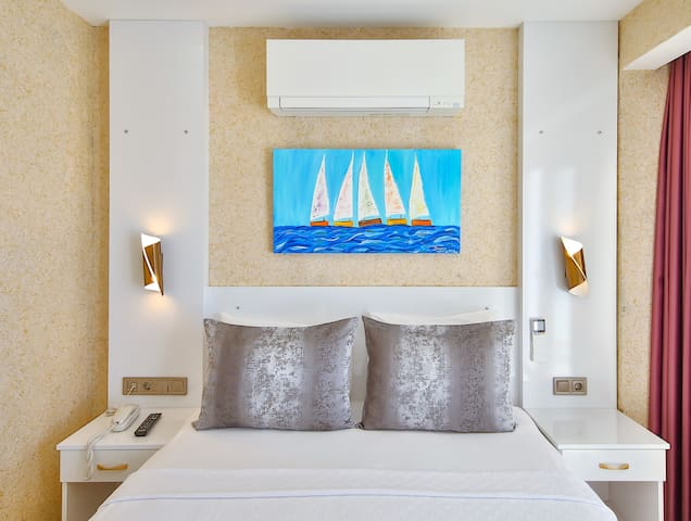 18 m2 Double Room with Sea View   Hotel No 37