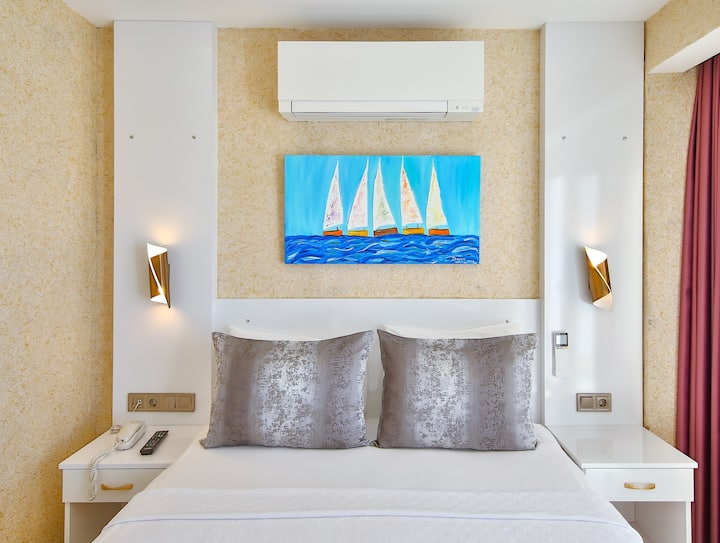 18 m2 Double Room with Sea View | Hotel No 37
