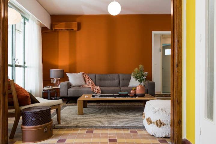 Abdelwahab 2BD Artist Apartment