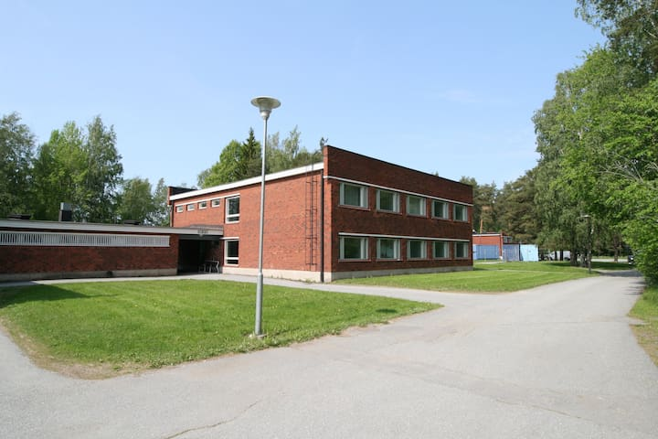 Cozy and functional small studio located in Vähärauma, 4 kilometres from the centre of Pori