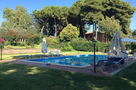 Casale San Giovanni with pool view - Lanuvio