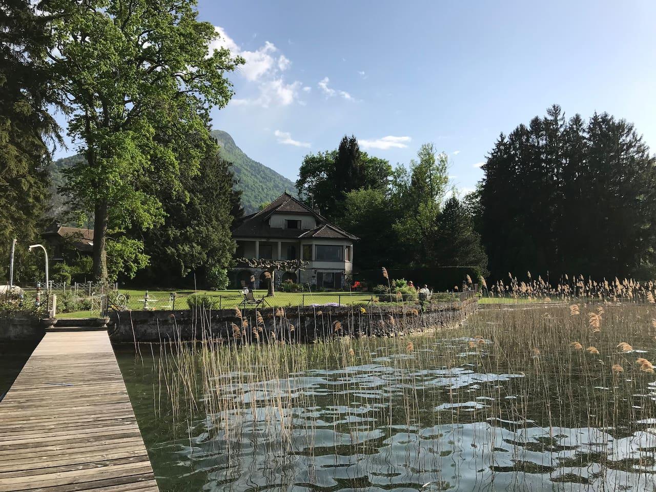 maison depuis le lac