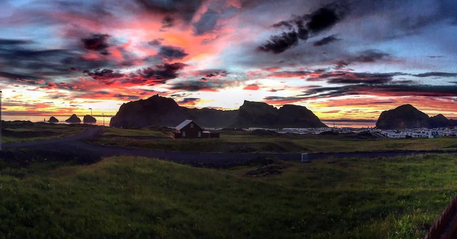 Volcano island south of Iceland, Beautiful view - Elliðaey - Cabin