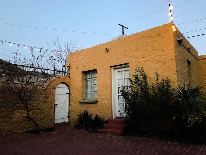 Charming Casita in Kern Place with Big Backyard