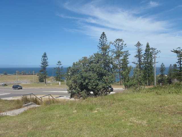 Beautiful location, close to ocean and CBD - The Hill - House