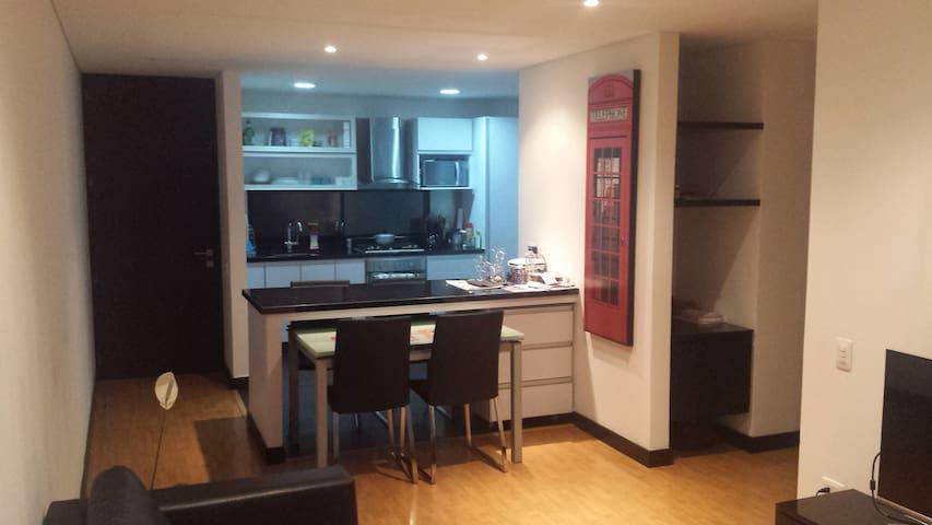 Extra big and comfy room, New Flat - Bogotá - Apartment