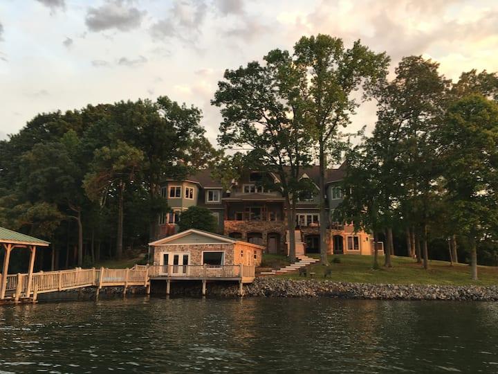 Lake Apartment with Beautiful Lake Norman Views