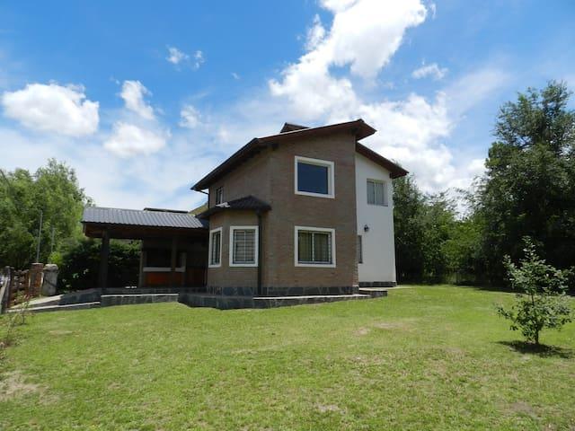 Casa en los Reartes a 400m del rio