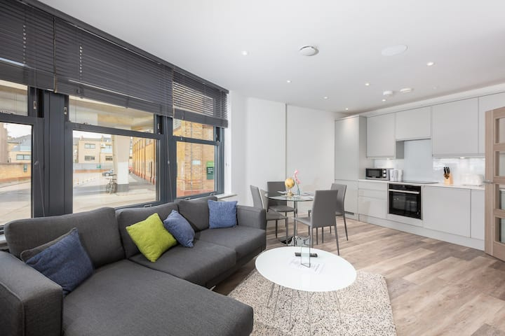 Modern Two Bedroom Apartment In Fulham