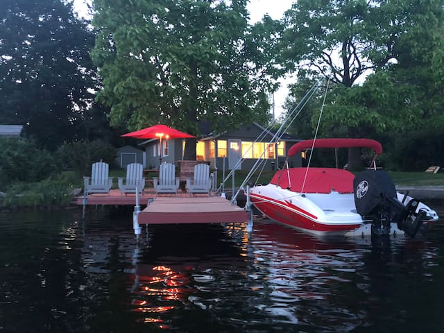 Plenty of space on the dock for guests!