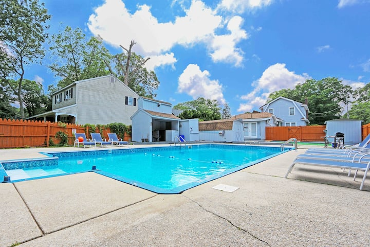 BEST Jersey Shore Retreat for 14! M9