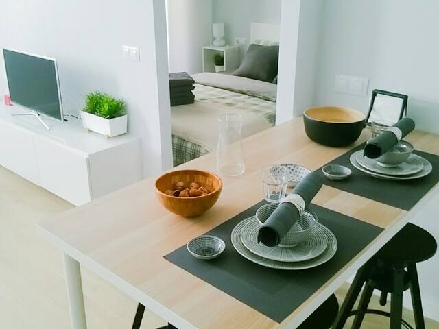 Elegante apartamento junto al mediterráneo WIFI!
