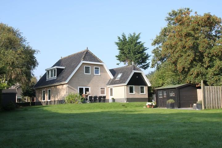Villa moderne avec jardin à Groet