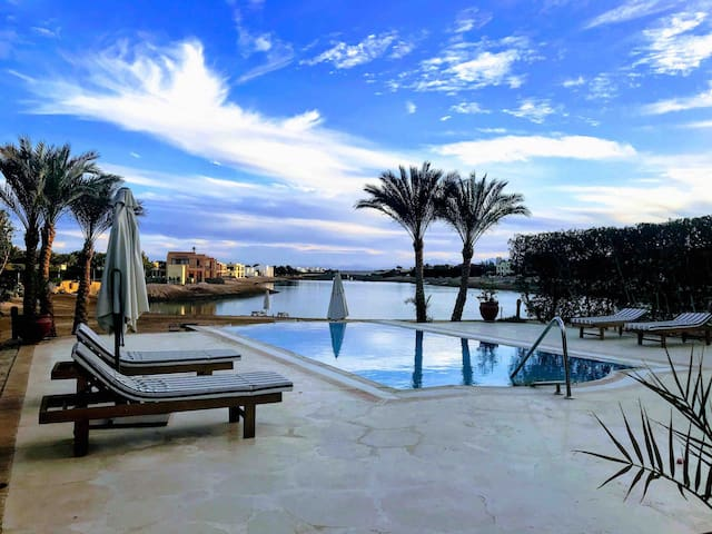 Villa 3 bedroom with Private Heated pool,El Gouna