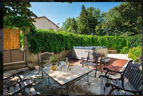 Maison confortable 8pers - Jacuzzi - Jardin- Clim