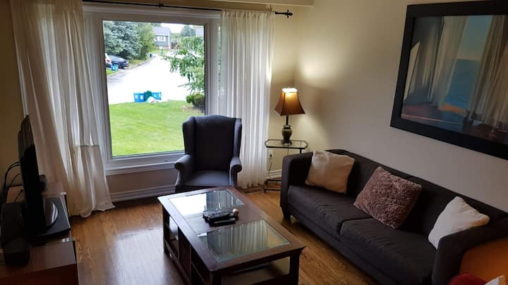 1 Bed South Oakville w/ free parking