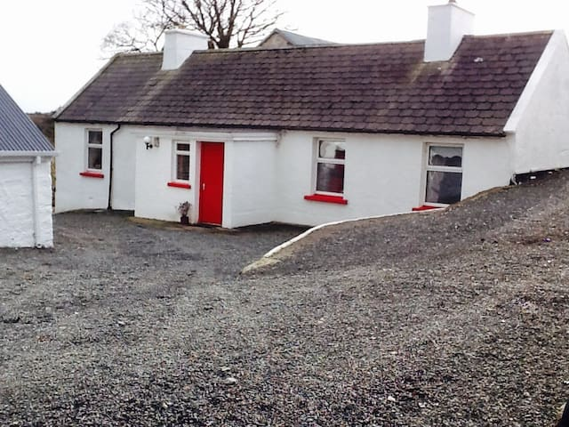 Granny's Cottage - County Donegal - Hus