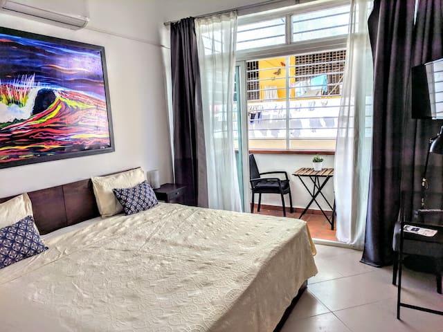 Modern room+bath, balcony &Priv.Entrance Col. Zone