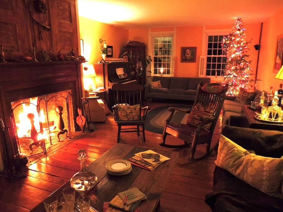 Classic glow of the fireplace...port included.