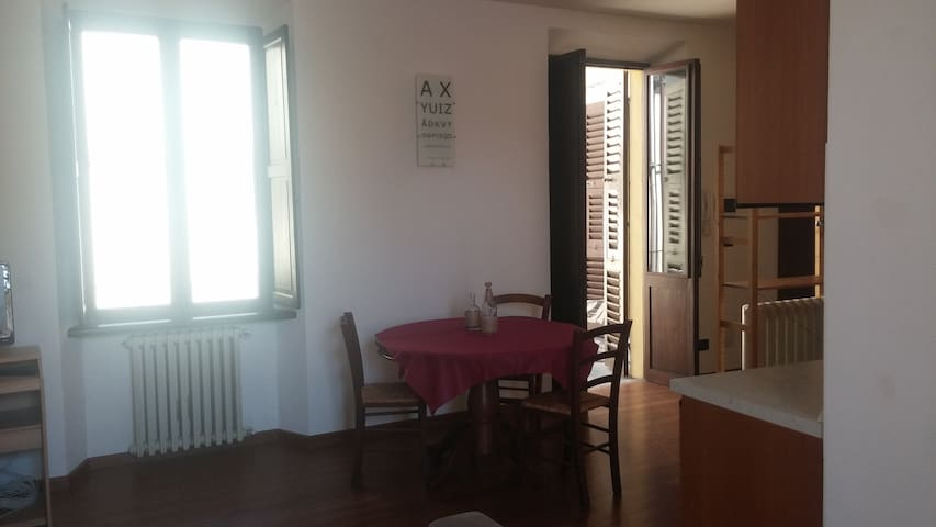 """Appartamento del centro storico """"M'aMi"""" - Monastero Bormida - Apartment"""