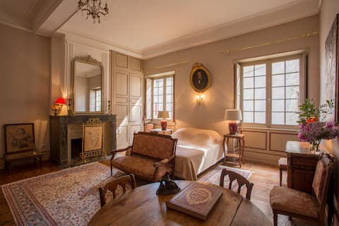 18th century charming castle close to Biarritz