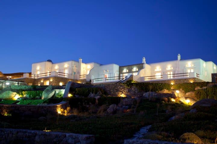 Mykonos Super Paradise Villas