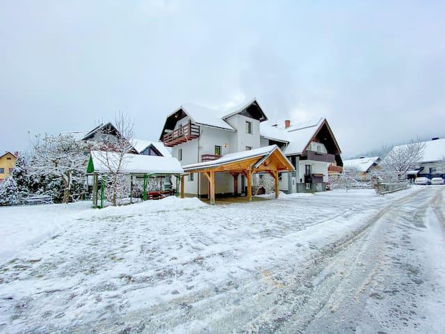 ❄️ Wonderful winter stay at modern 2BR apartment