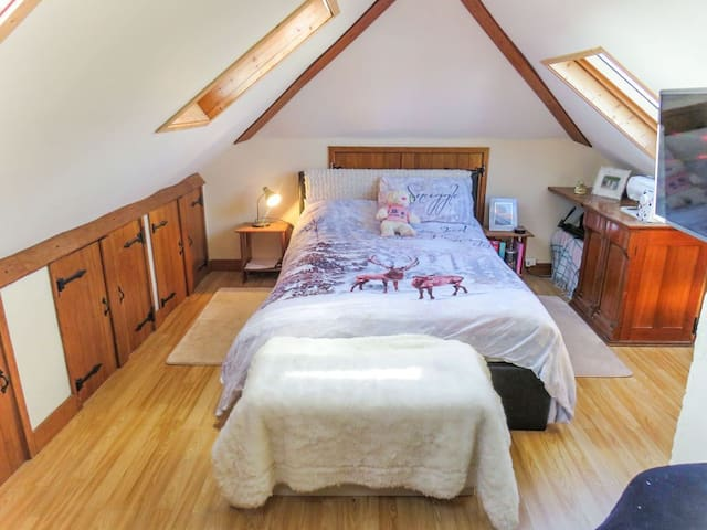 Loft room - Small Double