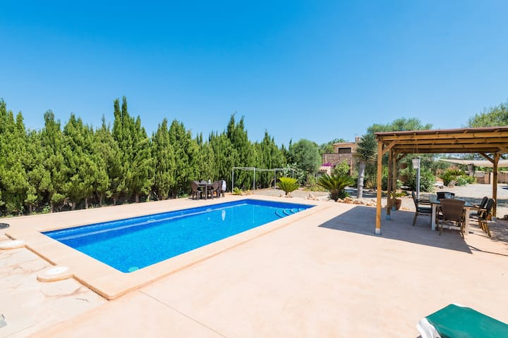 SON PIRIS - Villa with private pool in Es Llombards. Free WiFi