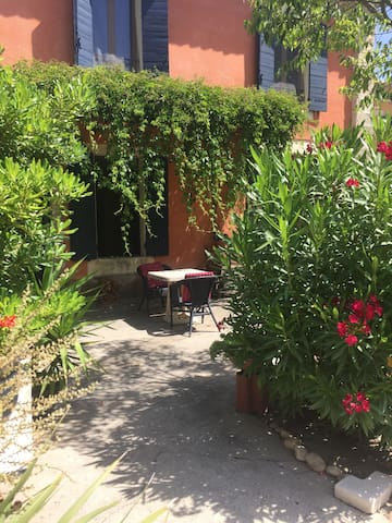 Belle Chambre avec kitchenette à Saint Rémy