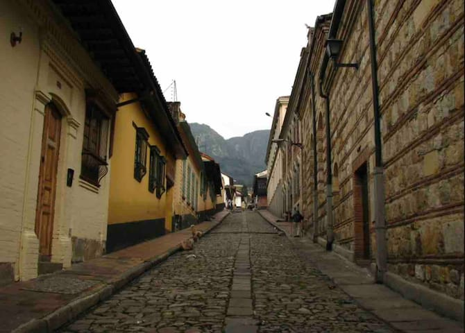 ** PRIVATE room in CANDELARIA near MAIN square