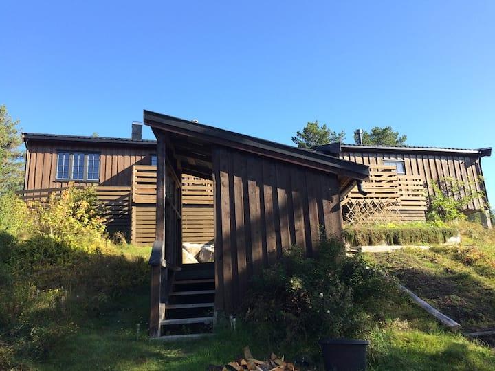 Koselig hytte i naturskjønne og stille omgivelser